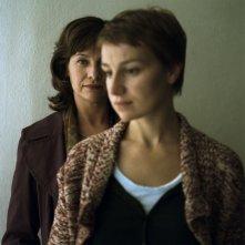 Kerry Fox e Anamaria Marinca in una scena del film Storm