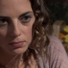 Regina Orioli in una scena del film Una notte blu cobalto