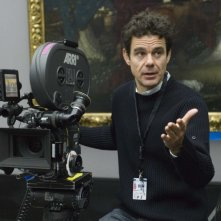 Tom Tykwer sul set di The International