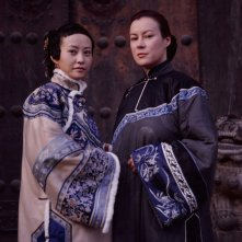Hao Lei e Jennifer Tilly nel film Empire Of Silver (Baiyin Diguo)