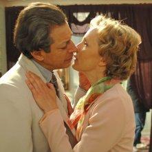 Jeff Goldblum e Juliane Kohler in una scena di Adam Resurrected