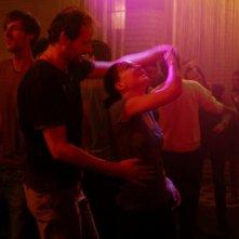 Hannah Herzsprung  e Guntram Brattia in una sequenza del film Pink