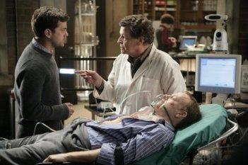 John Noble e Joshua Jackson in una scena dell'episodio Ability di Fringe