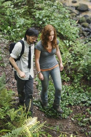 Rebecca Mader e Jeremy Davies in un momento dell'episodio This Place Is Death di Lost