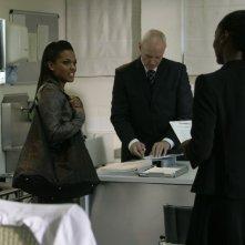 Alan Dale e Freema Agyeman  in una scena dell'episodio 'Reset' della serie tv Torchwood