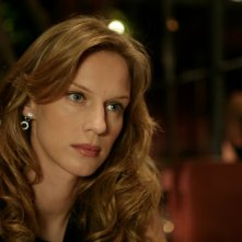 Antonia Liskova in una scena dell'episodio Cambio vita de Il bene e il male