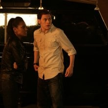 Burn Gorman insieme a Freema Agyeman in una scena dell'episodio 'Reset' della serie tv Torchwood