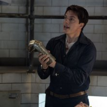 John Barrowman in una sequenza dell'episodio 'La mietitrice di anime' della serie tv Torchwood