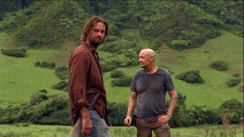 Josh Holloway e Terry O'Quinn in una scena dell'episodio The Little Prince di Lost