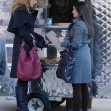 Blake Lively e Laura Breckenridge nell'episodio Carrnal Knowledge di Gossip Girl