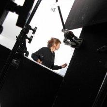 La regista Sally Potter sul set di Rage