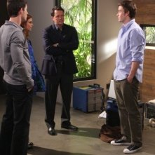 Steven Culp, Robert Buckley, Brian Hallisay e Joanna Garcia in una scena dell'episodio All About Betrayal di Privileged