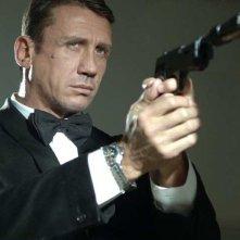 Gualberto Parmeggiani in uno scatto ispirato a 'Casino Royale' con Daniel Craig.