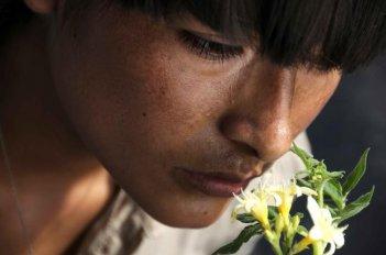 Una bella immagine di Magaly Solier nel film The Milk of Sorrow (La teta asustada)