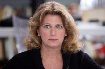 Angela Finocchiaro in una scena dell'episodio 'Terapia d'urto' del film I mostri oggi