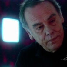 Dean Stockwell in una scena dell'episodio No Exit di Battlestar Galactica