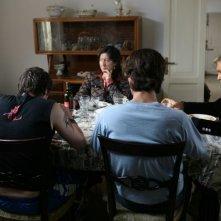 Giorgio Panariello, Emanuela Aureli e Diego Abatantuono in una scena dell'episodio 'Padri e figli' del film I mostri oggi