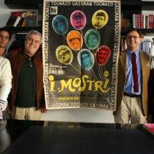 Gli sceneggiatori del film I mostri oggi: Franco Ferrini, Marco Tiberi, Enrico Oldoini, Giacomo Scarpelli e Silvia Scola