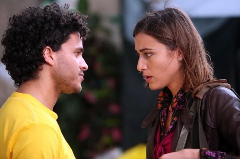 Mohammed Zouaoui E Anna Foglietta In Una Scena Dell Episodio La Testa A Posto Del Film I Mostri Oggi 105358