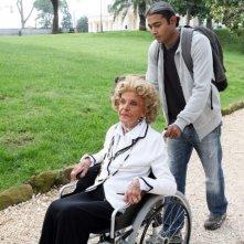 Valeria De Francis e Tushar in una scena dell'episodio 'Razza superiore' del film I mostri oggi