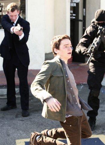 Dan Byrd  in una scena di Building 26 dalla terza stagione di Heroes