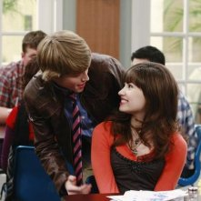 Demi Lovato e Sterling Knight in una scena dell'episodio Sonny at the Falls di Sonny with a Chance