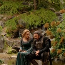 Leelee Sobieski e John Rhys-Davies in una scena di In the Name of the King