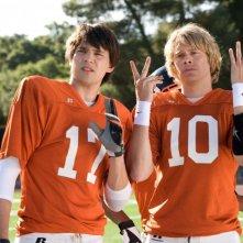 Nicholas D'Agosto ed Eric Christian Olsen in una scena del film Fired Up
