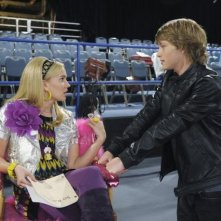 Tiffany Thornton e Sterling Knight in una scena dell'episodio You've Got Fan Mail di Sonny with a Chance