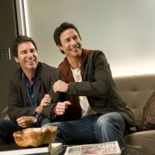 Eric McCormack e Thomas Cavanagh in una scena dell'episodio Way Beyond the Call di Trust Me