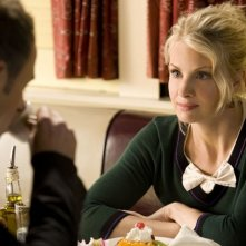Monica Potter in un momento dell'episodio But Wait, There's More di Trust Me