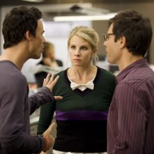 Thomas Cavanagh, Eric McCormack e Monica Potter in una scena dell'episodio But Wait, There's More di Trust Me