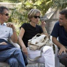 Il produttore Riccardo Tozzi, la sceneggiatrice Cristina Comencini e il regista Enzo Monteleone sul set del film Due partite