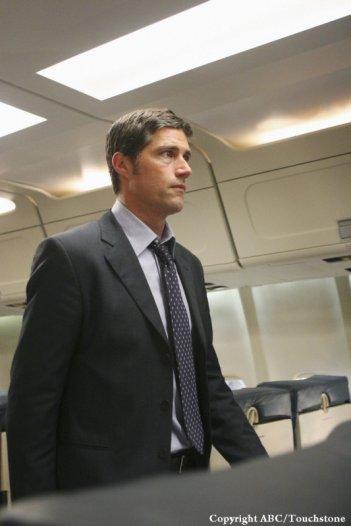 Matthew Fox in una scena dell'episodio 316 di Lost