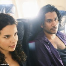Zuleikha Robinson e Naveen Andrews in una scena dell'episodio 316 di Lost