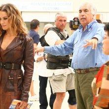 Lola Ponce e il regista Vittorio Sindoni sul set di Butta la luna 2