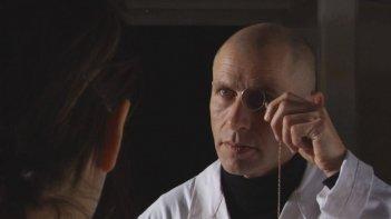 Vitaliano Trevisan in una scena del film Dall'altra parte del mare