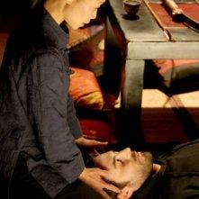 Yang Yu Lin e Flavio Montrucchio in una scena del film Il soffio dell'anima