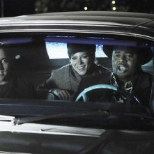 Chi McBride e Lee Pace con Anna Friel nell'episodio 'Robbing Hood' della serie tv Pushing Daisies