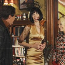 Ellen Green e  Kristin Chenoweth nell'episodio 'Robbing Hood' della serie tv Pushing Daisies