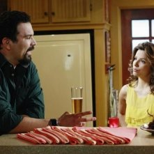 Eva Longoria Parker e Ricardo Chavira (Gabrielle e Carlos) nell'episodio Crime Doesn't Pay della quinta stagione di Desperate Housewives