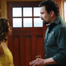 Eva Longoria Parker e Ricardo Chavira nell'episodio Crime Doesn't Pay della quinta stagione di Desperate Housewives