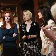 Eva Longoria Parker, Marcia Cross, Felicity Huffman e Teri Hatcher nell'episodio Crime Doesn't Pay della quinta stagione di Desperate Housewives