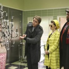 Shelley Berman, Chi McBride, Lee Pace e Anna Friel nell'episodio 'Robbing Hood' della serie tv Pushing Daisies