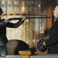 Swoosie Kurtz con il collega Stephen Root in un momento dell'episodio 'Robbing Hood' della serie tv Pushing Daisies