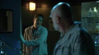 David Berman e Robert David Hall nell'episodio 'Kill me if you can' della serie tv CSI - Las Vegas