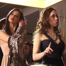 Francesca Chillemi e Chiara Francini in una scena dell'episodio 'Gaymers' del film FEISBUM!