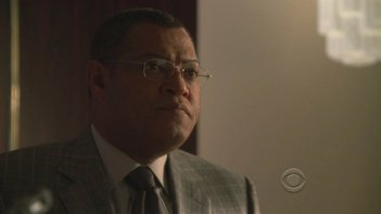 Laurence Fishburne in una scena dell'episodio 'Miscarriage of Justice' della serie tv CSI