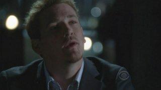 Una scena dell'episodio 'Kill me if you can' della serie tv CSI: Crime Scene Investigation