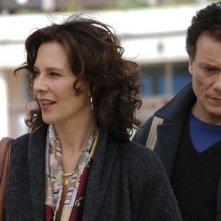 Valeria Cavalli e Massimo Ranieri in una scena del film L'ultimo Pulcinella